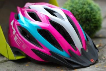 Шлем MET CROSSOVER бело-розово-бирюзовый